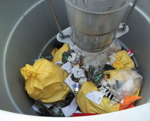 Müllsauger WASUC in Arbeit